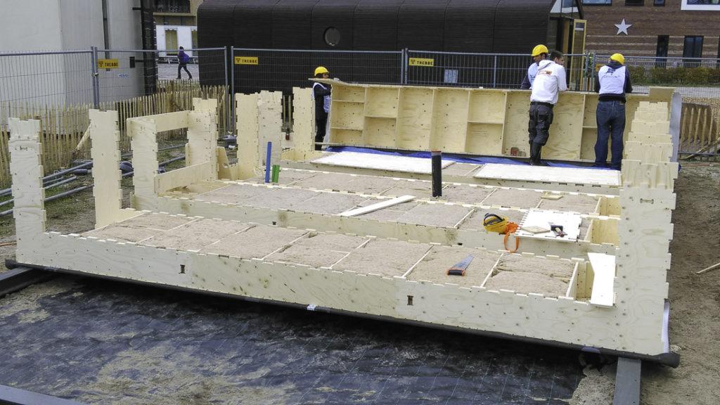 een-rij-bodemsegmenten-WikiHouse-Almere